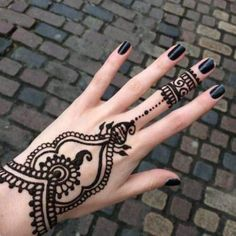 10 Nice Mehndi Henna Tattoo Designs Concepts That You Can Share With Your Associates Henna Tattoo Hand, Arm Tattoo, Cool Henna Tattoos, Mandala Hand Tattoos, Trendy Tattoos, Tattoo You, Tribal Tattoos, Golecha Henna, Easy Henna