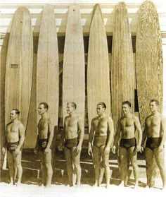 Imagine carrying those to the beach. Vintage Surf, Vintage Ads, Vintage Photos, Beach Wear, Beach Fun, Wooden Surfboard, Hawaii Surf, Wet Dreams, Surf City