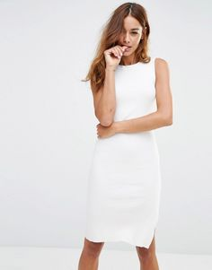 How versatile is this dress? You can wear it fro day to evening. http://asos.do/FWp8ra