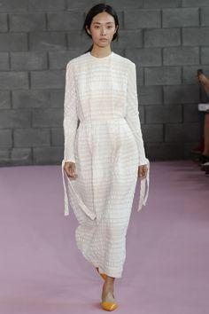 Emilia Wickstead Spring 2016 Ready-to-Wear Fashion Show