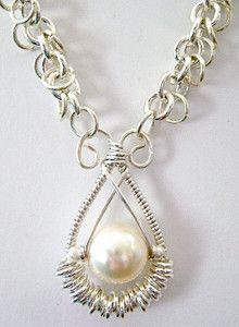 Gorgeous Pearl Pendant   AllFreeJewelryMaking.com