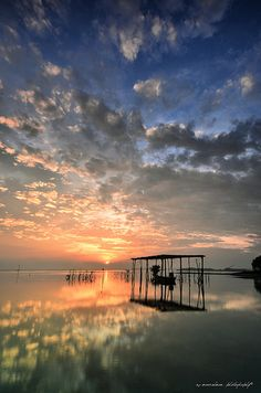 sunrise, Kalantan, Pantai, Maylasia Tourist Places INDIAN ART PAINTINGS PHOTO GALLERY  | 1.BP.BLOGSPOT.COM  #EDUCRATSWEB 2020-07-30 1.bp.blogspot.com https://1.bp.blogspot.com/-FvWAqd6igqg/XhcDv6GccHI/AAAAAAAADdo/-cLqMIj75aAfQ5H1gTv_A9J4OpydaGAmgCLcBGAsYHQ/s320/8935a2c70614eac516c7e4c0a71ea681.jpg