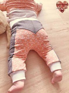 """Freebook - Hose """"kleine Knöpfle"""" für Kinder mit den Größen 74-104 auch eine Puppengröße ist dabei"""