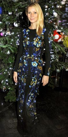 Look of the Day › November 26, 2013 WHAT SHE WORE To benefit the Kids Company charity, Paltrow co-hosted a dinner with designer Matthew Williamson wearing an ornate flower-embroidered Matthew Williamson column.