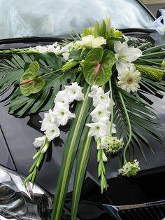 Altar Flowers, Church Flower Arrangements, Fall Flowers, Flower Centerpieces, Floral Arrangements, Flower Bouquet Wedding, Floral Wedding, Bridal Car, Wedding Car Decorations