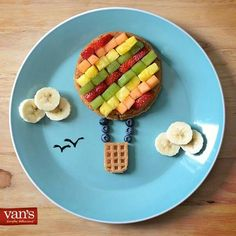 awesome Idée relooking cuisine - Take your breakfast to new heights with these fun hot air balloon waffles! Cute Snacks, Cute Food, Good Food, Fruit Snacks, Food Art For Kids, Cooking With Kids, Children Food, Toddler Meals, Kids Meals