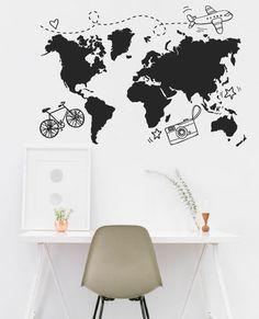 Vinilo decorativo de un mapamundi con dibujos chulis, para que marques dónde has estado o dónde quieres ir...