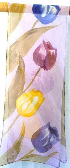 Hand Painted Silk Scarf Purple Floral Scarf. por SilkScarvesTakuyo