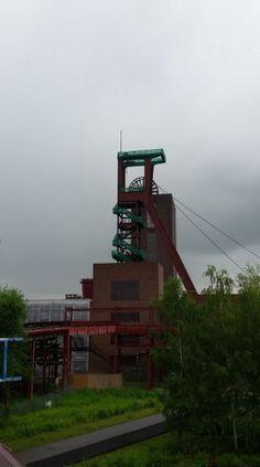 Förderturm im Regen, Zeche Zollverein, Essen - Foto: S. Hopp
