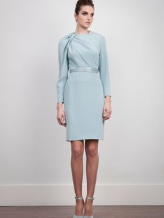 Cady crepe dress. Belt not included but available in the catalogue. Made to order dress. 25 days delivery.