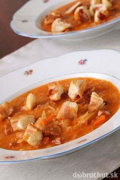 Slovenská kapustnica s klobásou Thai Red Curry, Soup, Ethnic Recipes, Soups, Chowder