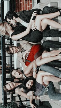 Gossip Girl Scenes, Gossip Girl Nate, Watch Gossip Girl, Mode Gossip Girl, Gossip Girl Quotes, Chuck Bass, Estilo Blair Waldorf, Youtubers, Aubrey Hepburn