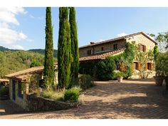Luxury Single Family Home Property in SienaSiena | Country Retreat in Chianti Classico | Milan Sotheby