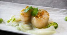 Pilgrimsmusslor med chili och lime Panna Cotta, Chili, Seafood, Cheese, Breakfast, Ethnic Recipes, Mat, Chile