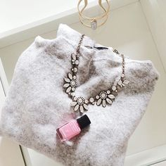 Daisy Statement Necklace #neutralcolor #necklace #fashion #style #statementnecklace - 22,90 € @happinessboutique.com