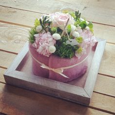 - Flower ideas- – Blumen ideen The post appeared first on Blumen ideen. Easy Christmas Ornaments, Simple Christmas, Cleaning Glass Shower Doors, Ruby Wedding Anniversary, Small Centerpieces, Bridal Shower Flowers, Anniversary Decorations, Pink Table, Deco Floral