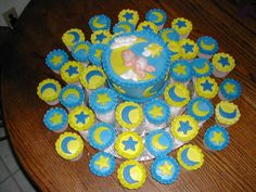 Star and moon cupcakes