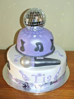Hannah Montana 7 year-old Birthday Cake, designed by the Birthday Girl who loves Hannah Montana. 7th Birthday Cakes, Birthday Ideas, Birthday Parties, Fnaf Cake, Disco Party, Disco Disco, Disco Ball, Bday Girl, Partys