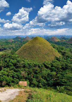 Chocolate Hills in Bohol, the Philippines Voyage Philippines, Bohol Philippines, Philippines Travel, Visit Philippines, Manila, Beautiful World, Beautiful Places, Amazing Places, Travel Around The World