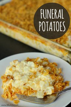 Funeral Potatoes Recipe - You can substitute the Cream of Chicken soup for Cream of Mushroom to make it vegetarian. This is a potluck pleaser for our monthly potlucks at work! It also cooks great in a(Potato Recipes Crockpot) Potato Dishes, Food Dishes, Potato Recipes, Funeral Potatoes Recipe, Cheesy Potatoes In Crockpot, Great Recipes, Favorite Recipes, Le Diner, Cream Of Chicken Soup