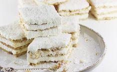 Najlepszy przepis na ciasto rafaello na krakersach. To super pyszne i proste ciasto rafaello z serkiem mascarpone. Rafaello bez pieczenia koniecznie szykujemy na dużą blachę. To ciasto zniknie w mgnieniu oka.