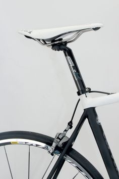 The uses a post. The skinny post adds a little extra give when in the saddle. Bike Frame, Frames, Bicycle, Skinny, Black And White, Bike, Blanco Y Negro, Bicycle Kick, Frame