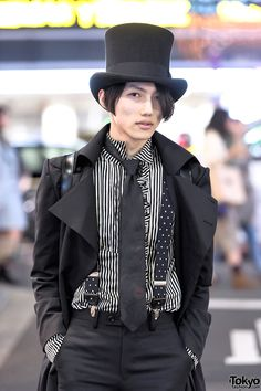 """Japanese fashion student Gothmura on the street in Harajuku wearing what he called a """"Neo Classical Goth"""" style - with an Alice Auaa overcoat, tophat, suspenders, Takeo Kikuchi pants,. Japanese Street Fashion, Tokyo Fashion, Harajuku Fashion, Lolita Fashion, Gothic Fashion, Victorian Fashion, Harajuku Style, Style Fashion, Rock Fashion"""