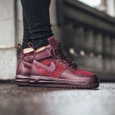 Nike Wmns Lunar Force 1 Flyknit Workboot 'Deep Burgundy'