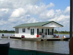 houseboat images | File:Lake Bigeaux houseboat.JPG - Wikipedia, the free encyclopedia