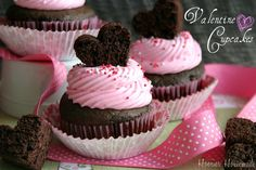 Hmm, might do these for Sophia's class... easy and the kids would love the brownie heart on top....