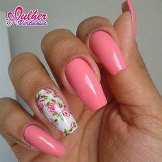 Linfo adesivo floral  Acesse nosso site www.lojamulhervirtuosa.com  Unhas lindas da amiga @luanadaniel08 #mulhervirtuosaadesivos #pinceismulhervirtuosa #mulhervirtuosapinceis #DomDeDEUS #amulherv #mulherv #mulhervirtuosa #manicures#manicure #pincéis #artesanais #feitoamao #nails #nailart #adesivosparaunhas #adesivoartesanal