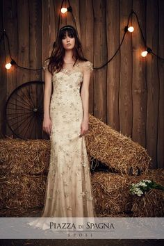 Wedding dress by Jenny Packham from the 2017 Bridal collection. Image courtesy of Jenny Packham. Jenny Packham Wedding Dresses, Jenny Packham Bridal, Wedding Dress Sleeves, Jenny Packham 2017, Country Wedding Dresses, Best Wedding Dresses, Boho Wedding, Wedding Gowns, Hair Wedding