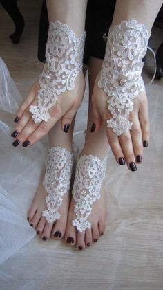 Ivory Lace Wedding Gloves and Barefoot Sandals Set / by mucarroze