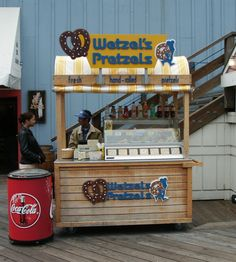Home - The Carriage Works: Quality Crafted Carts│Kiosks│RMUs Food Stall Design, Food Cart Design, Food Truck Design, Food Kiosk, Ice Cream Cart, Hot Dog Stand, Coffee Carts, Cozy Cafe, Food Stands