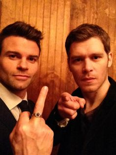 Daniel Gillies and Joseph Morgan Vampire Diaries Guys, Vampire Diaries Poster, Vampire Diaries Wallpaper, Vampire Diaries The Originals, Joseph Morgan, Daniel Gillies, Robert Downey Jr, Klaus The Originals, Originals Cast
