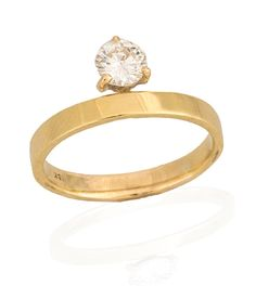 FOR THE ENGAGEMENT RING || Non-traditional Ana Khouri round solitaire diamond || NOVELA BRIDE...where the modern romantics play & plan the most stylish weddings... www.novelabride.com @novelabride #jointheclique