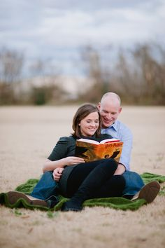 @Brittany Corcoran Can't believe you didn't repin this one!    Harry Potter engagement pic