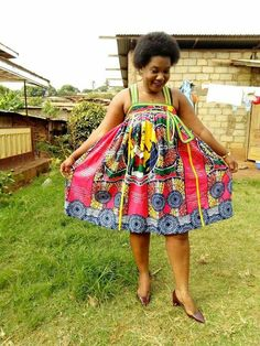 Latest Kente Designs That Will Make You Fall in Love - Afro Fahionista African Dresses For Kids, African Fashion Ankara, Latest African Fashion Dresses, African Dresses For Women, African Print Fashion, African Attire, Kente Styles, African Traditional Dresses, Mode Style