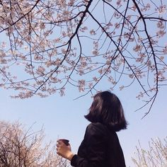 Image discovered by 노을 ☾. Find images and videos about girl, photography and aesthetic on We Heart It - the app to get lost in what you love. Aesthetic Photo, Aesthetic Girl, Aesthetic Pictures, Senior Photography, Portrait Photography, Tmblr Girl, The Garden Of Words, Blue Sargent, Nature