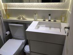 pia esculpida banheiro com armario - Pesquisa Google Downstairs Bathroom, Bathroom Layout, Apartment Interior, Bathroom Interior, Minimalist Small Bathrooms, Simple House, Home Interior Design, Sweet Home, Home Appliances