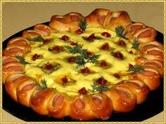 Festive elegant Pizza Ingredients: ● Yeast dough - ● Your favorite sausages - 6 pcs. Hungarian Recipes, Russian Recipes, Pizza Recipes, Healthy Recipes, Fancy Pizza, Pizza Ingredients, Winter Food, Food Photo, Vegetable Pizza