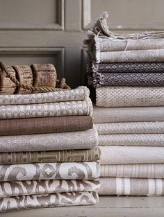 Woven textiles take on such a new meaning when you learn to handweave. Taupe Walls, Cheap Bed Sheets, Muted Colors, Neutral Tones, Weaving Textiles, Linens And Lace, Grey And Beige, Fabulous Fabrics, Table Linens