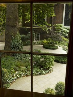 Beautiful courtyard Vintagehome