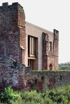 English Castle Preserves Historic Architecture and Incorporates Modern Design