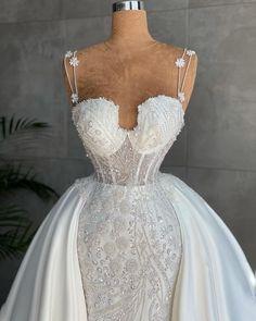 Dream Wedding Dresses, Lace Wedding, Gowns, House Styles, Instagram, Fashion, Zapatos, Dress, Vestidos