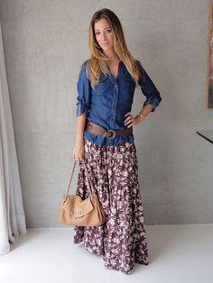 Saia longa estampada com camisa jeans - Typisch Katja - Modest Dresses, Modest Outfits, Modest Fashion, Cool Outfits, Casual Outfits, Fashion Outfits, Womens Fashion, Maxi Skirt Outfits, Long Maxi Skirts