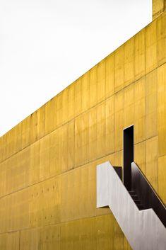 Plataforma das Artes e da Criatividade / Pitágoras Arquitectos