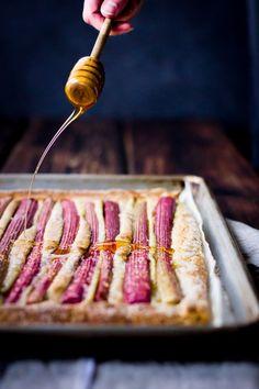 "thedinnerconcierge: "" Rustic Rhubarb, Almond + Honey Tart {Gluten Free} @ The Bojon Gourmet "" Rhubarb Recipes, Tart Recipes, Sweet Recipes, Dessert Recipes, Gluten Free Sweets, Gluten Free Cooking, Just Desserts, Delicious Desserts, Yummy Food"