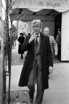 David Bowie outside the Carlyle hotel in New York in the early 80s. Photograph: Art Zelin/Getty Images