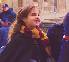 ϟ The True Master of Death Harry Potter Castle, Harry Potter Icons, Harry Potter Hermione, Harry Potter Pictures, Harry Potter Characters, Draco, Hermione Granger, Desenhos Harry Potter, James Potter